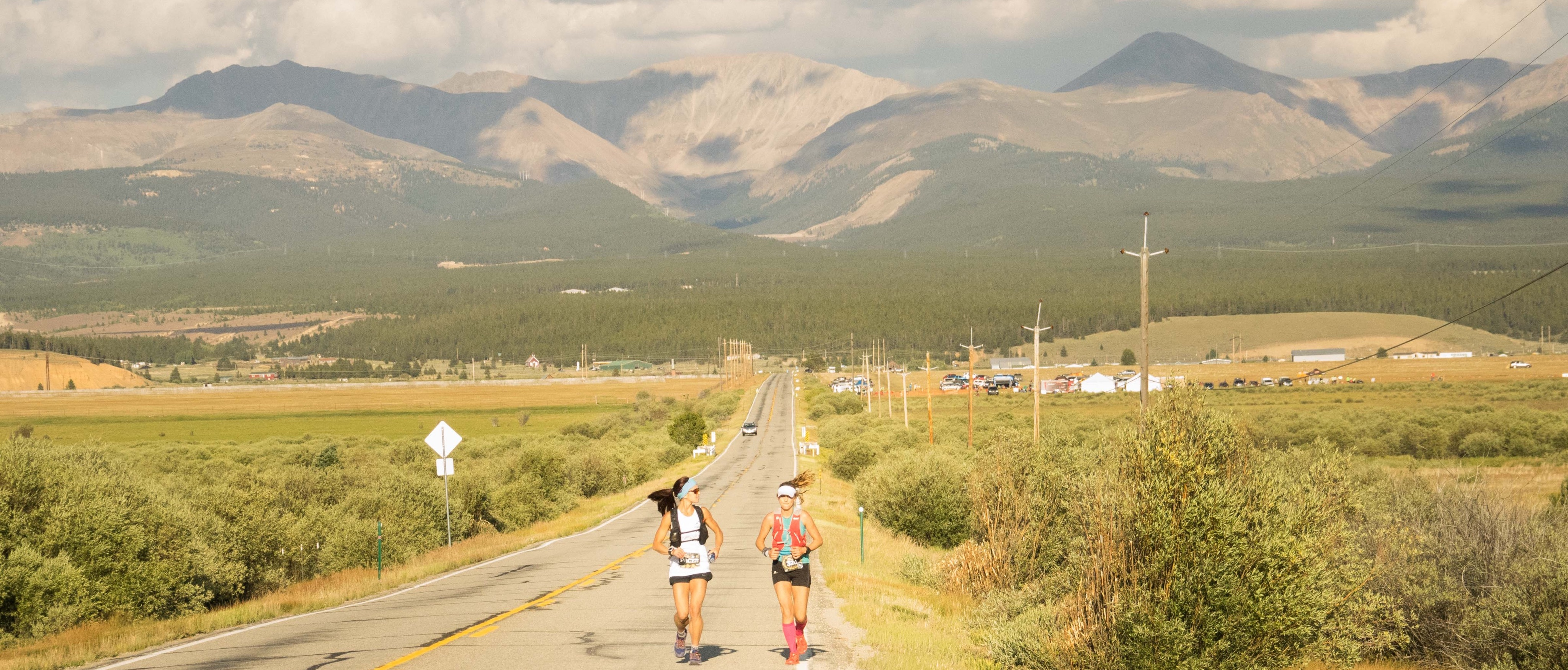 Clare Gallagher, 2016 Leadville 100, with pacer Amanda Basham